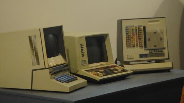 """Foto """"Vintage Computers"""" von Marie Mosley, veröffentlicht unter der CC-BY-2.0-Lizent"""