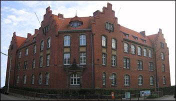 Foto vom Stabsgebäude der Ermekeilkaserne in Bonn