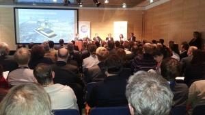 Blick aus dem Publikum aufs Podium der Smart Cities Week 2015 in Salzburg