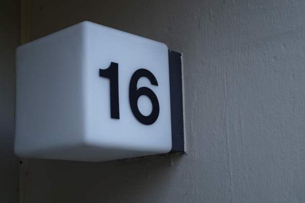 Hausnummer in der Siedlung Didinkirica in Bonn am 5.6.2015