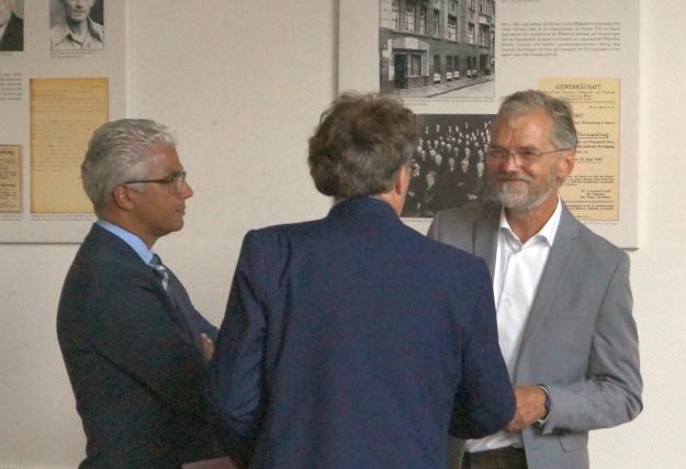 Die Kandidaten Tom Schmidt, Ashok Sridharan und Peter Ruhenstroth-Bauer zur OB-Wahl 2015 in Bonn vor der Diskussion im DGB-Haus am 24.8.15