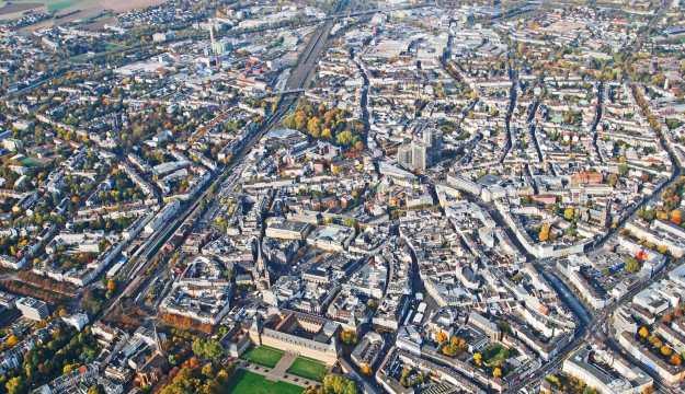Schrägluftbild der Bonner Innenstadt
