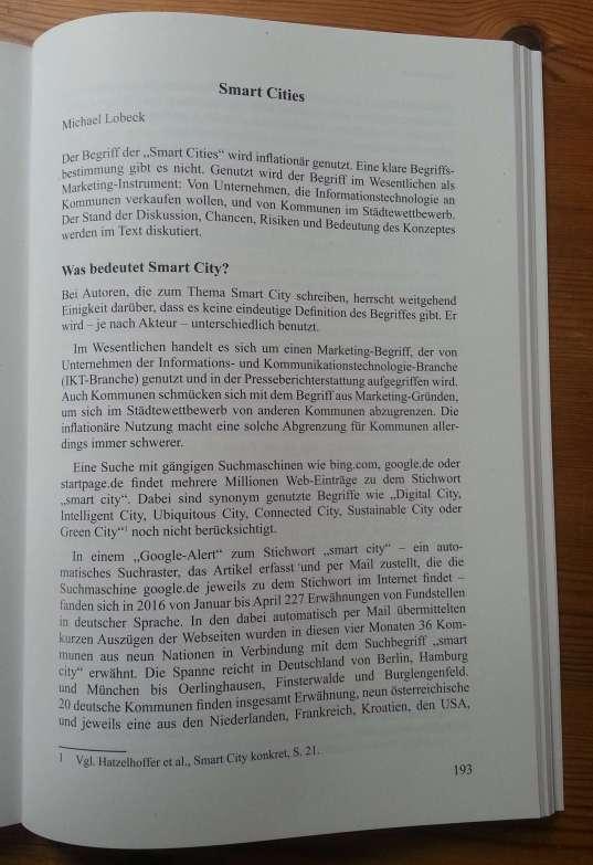 Foto von der ersten Seite meines Artikels zu Smart Cities im Buch Heinrichs, Harald, Ev Kirst und Jule Plawitzki (Hg.) (2017): Gutes Leben vor Ort. Berlin.
