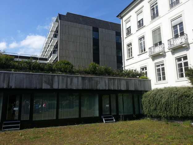 Foto des Innenhofes des Geländes der Zurich-Versicherung in Bonn