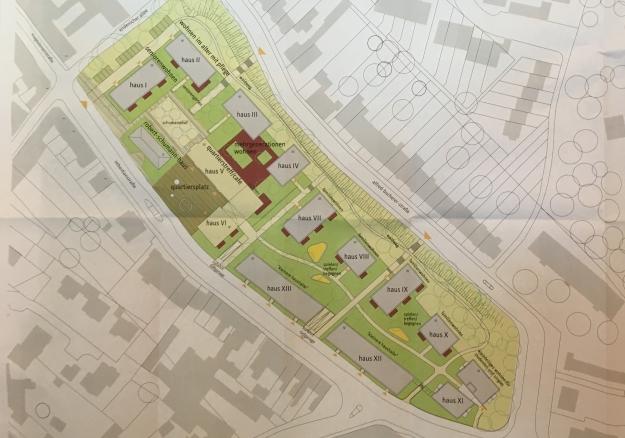 Foto des von Herrn Dirk Baarz (Instone Real Estate) erläuterten Plans zur künftigen Bebauung, der vom Architektenbüro konrath und wennemar, Düsseldorf erarbeitet wurde